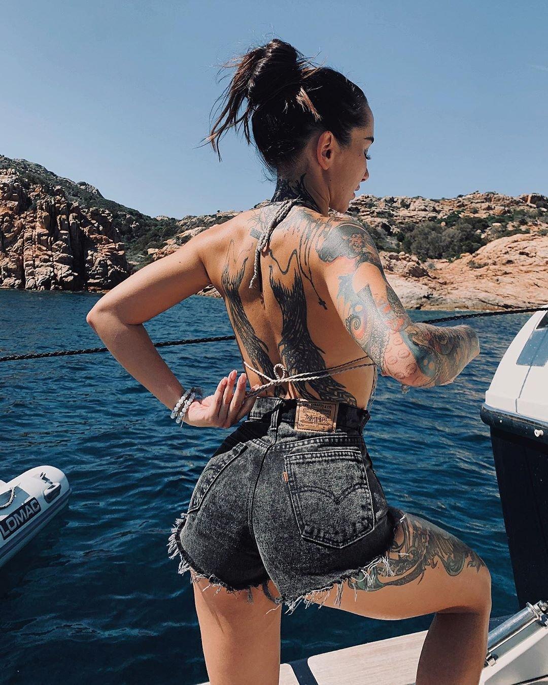 Анжелика Андерсон на море