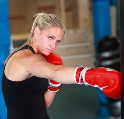 Девушки в боксе. Фото 7