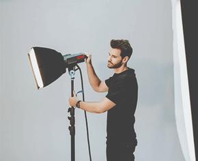 4 причины выбрать осветительное оборудование для съёмки от Akurat Lighting