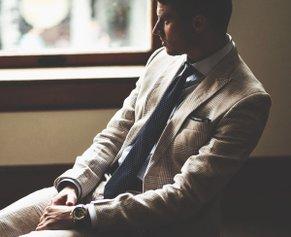 Что включает в себя гардероб успешного бизнесмена: разбираемся вместе с Hockerty