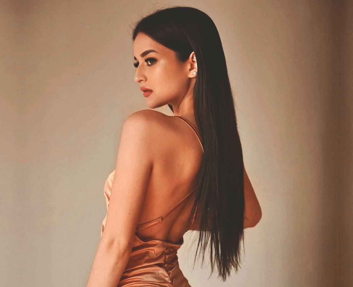 Подруга BroDude: Ева Тиунова