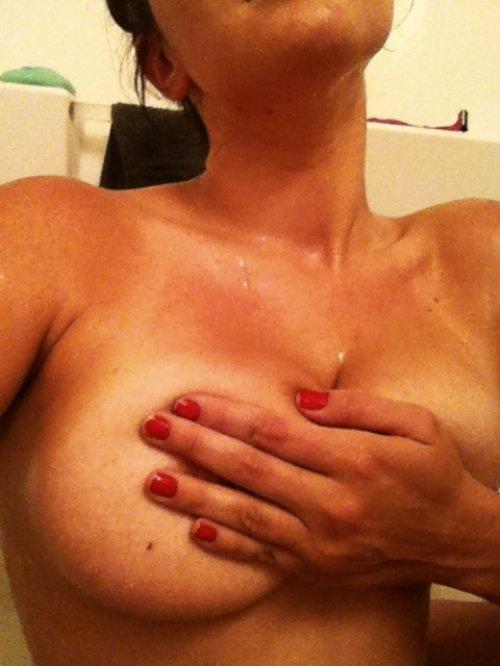 фото женской груди